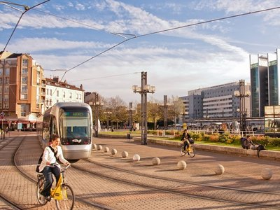 Tram à la gare de Grenoble