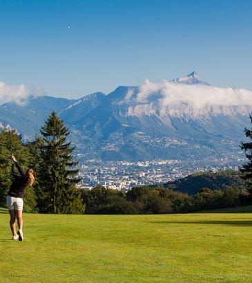 Photo de Grenoble-Alpes Métropole depuis le Golf de Bresson